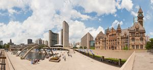 800px-Nathan_Phillips_square_-_Toronto