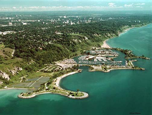 how to get to tge scarborough bluffs